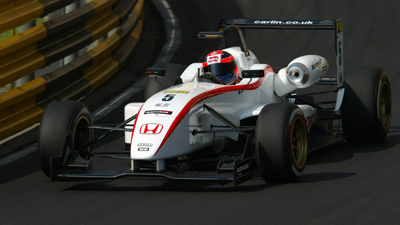 Robert Kubica finished 2nd with Carlin Motorsport in the 2005 Macau Grand Prix