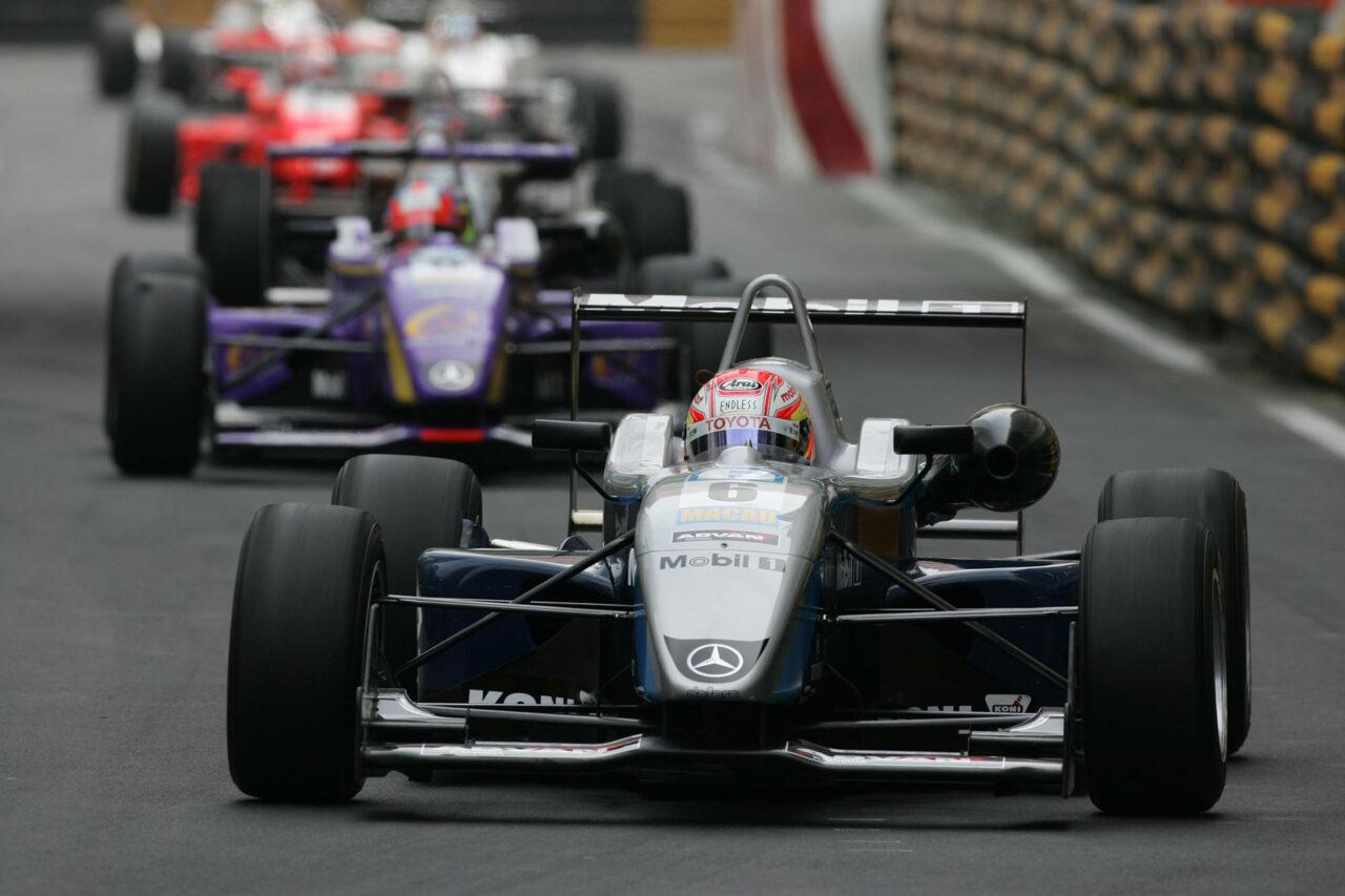 Kamui Kobayashi won the Qualification Race for the 2006 Macau Grand Prix